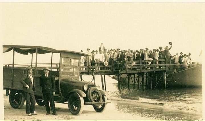 Fotos incríveis da ilha nos anos 30!